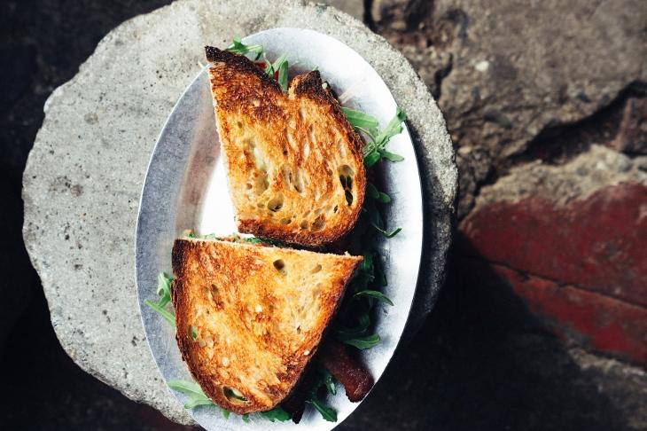 bread-food-plate-rucola